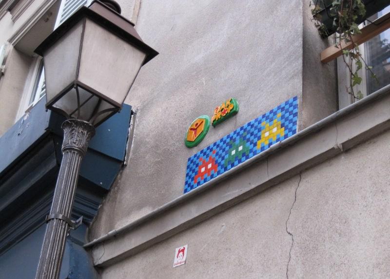 spaceinvader streetart