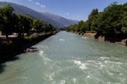 rivier gezien vanaf de brug
