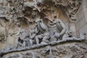 sagrada familia beelden buitenkant