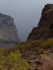 Zicht vanaf de Teno bergkam op zee